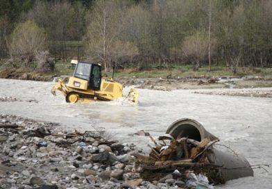 """Romania Curată: DEZVĂLUIRI. Cum se betonează un râu din Parcul Natural Apuseni și cum se protejează """"calitatea apei mării"""" la munte"""