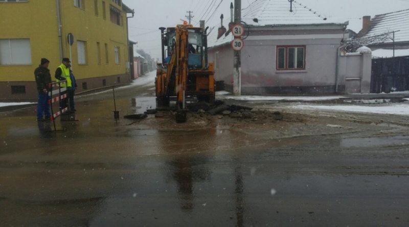 Update. Municipiul Sebes a ramas fara apa din cauza unei avarii pe strada Dorobantilor. Avaria a fost remediata
