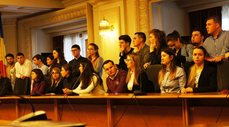 100 de stagiari din Basarabia la 100 de parlamentari, în Anul Centenar