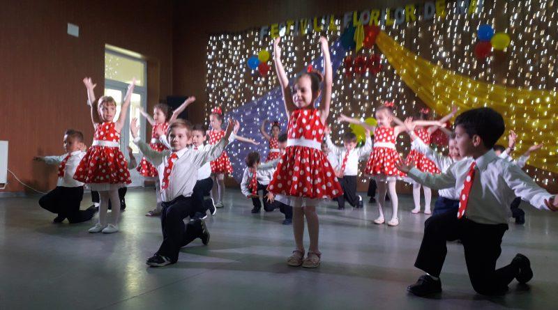 """La Ciumbrud s-a desfășurat """"Festivalul Florilor de Mai"""""""